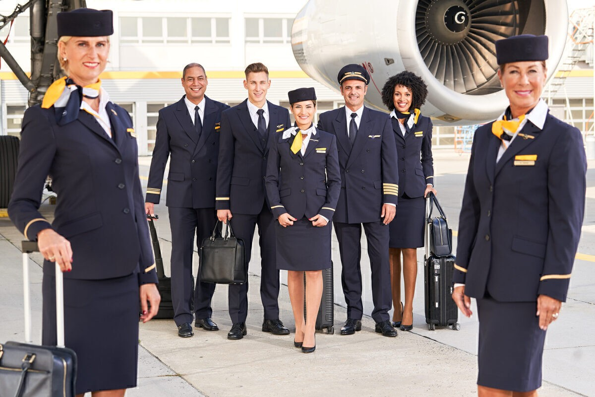 Find Out About the Requirements for Working for an Airline and How to Find Vacancies